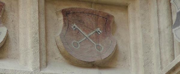 heraldické klíče na fasádě brněnské radnice
